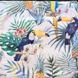 Bonitas capas de almofadas decorativas com Tucanos