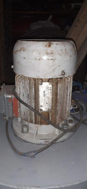 Електродвигу 220-380