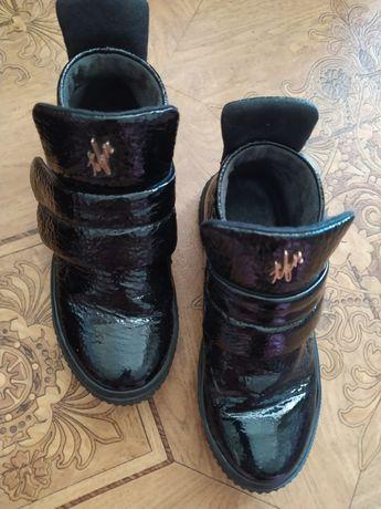 Продам ботинки Tifani