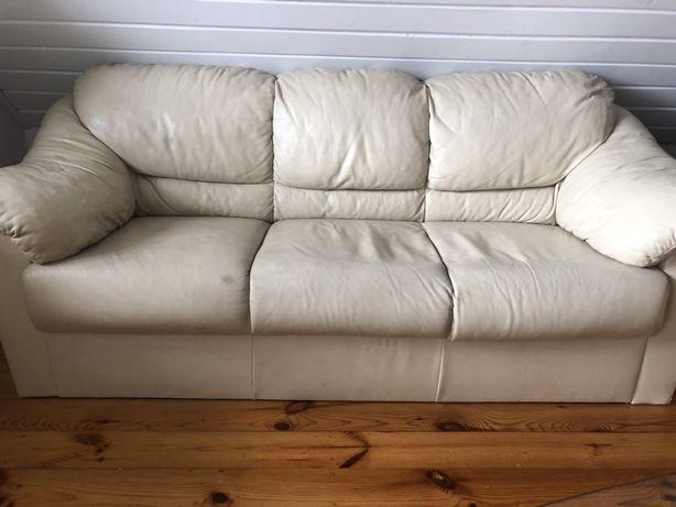 Dwie skorzane sofy kanapy