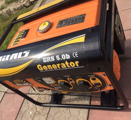 Бензогенератор на 5 кВт практично новий