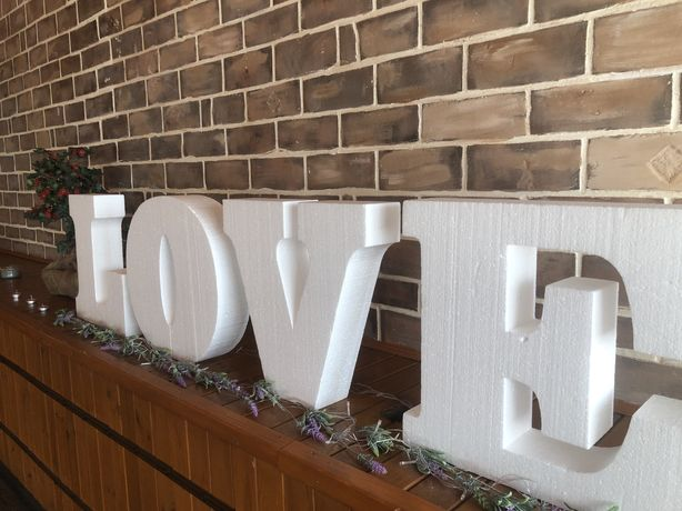 Букви з пінопласту LOVE