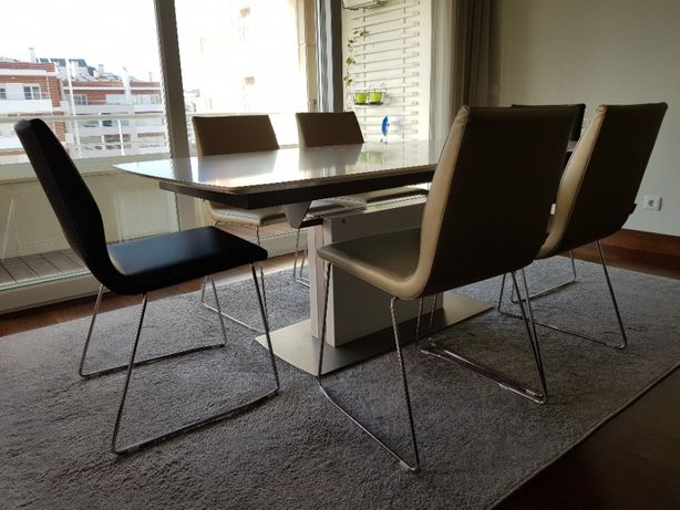 Cadeiras para sala de jantar (linhas modernas)