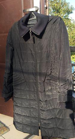 Чёрное синтепоновое пальто осеннее