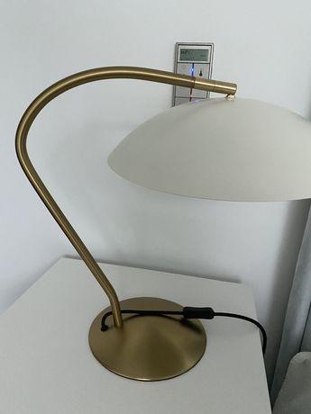 Candeeiro de mesa area em metal dourado e branco