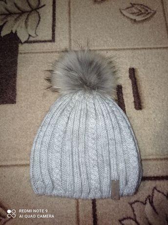 Зимова шапка на дівчинку