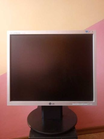 Монітор 17 LG TFT Flatron L1750S В ідефльному стані.