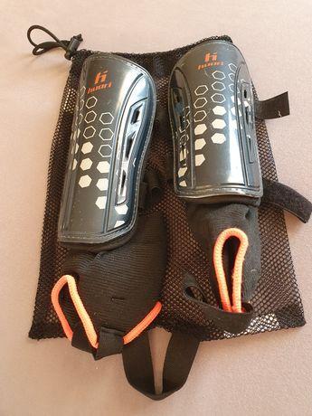 Ochraniacze piłkarskie na kostki i piszczele huari