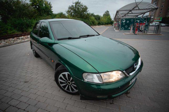 Opel Vectra B. Об'єм двигуна  2,5. Автоматична коробка передач