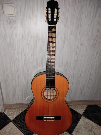 Продам гітару шестиструнну