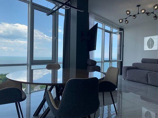2-комнатная квартира в ЖК Париж! Прямая панорама моря!