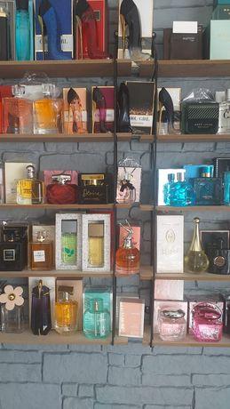 Testery perfum na dzień Kobiet