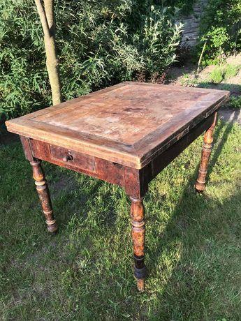 Zabytkowy stół z historią, rozkładany, antyk.