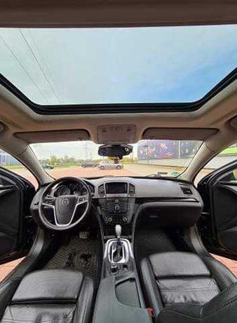 Opel Insignia skóra/ panorama/ moc 160km