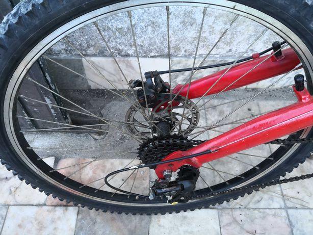 Bicicleta com suspensão total