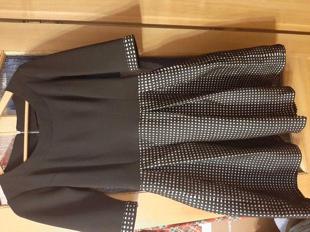 Sukienka czarno-biala