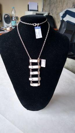 Naszyjnik srebrny próby 925 z masą perłową.