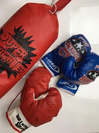 Mały worek bokserski + 2 pary rękawic dla dziecka