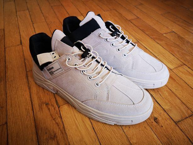 Кросівки універсальні