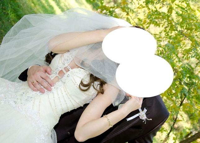Свадебное платье с V образным вырезом+подъюбник+бра. Айво