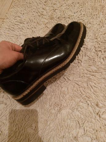 Туфли лаковые кожаные размер 40