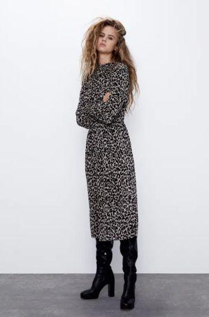 Роскошное платье плиссе в леопардовый принт zara