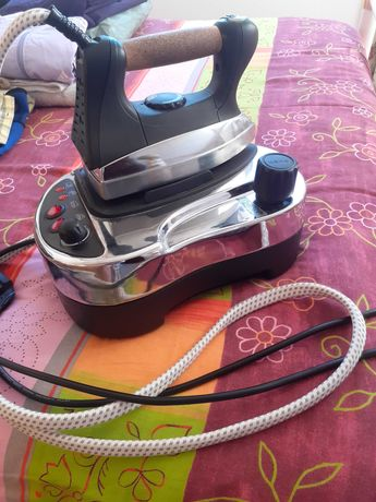 Ferro com caldeira usado
