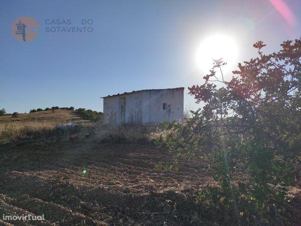 Terreno Com 38.720 m2 Com Armazém E Poço - Vista Mar - So...