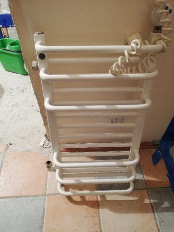 Grzejnik łazienkowy z grzałką