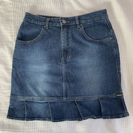 Jeansowa spódnica z falbanką