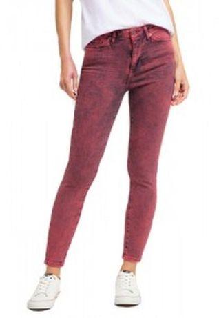 Бордовые женские джинсы Mustang