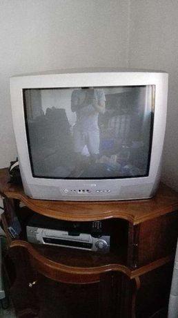 TV Philips cinzenta