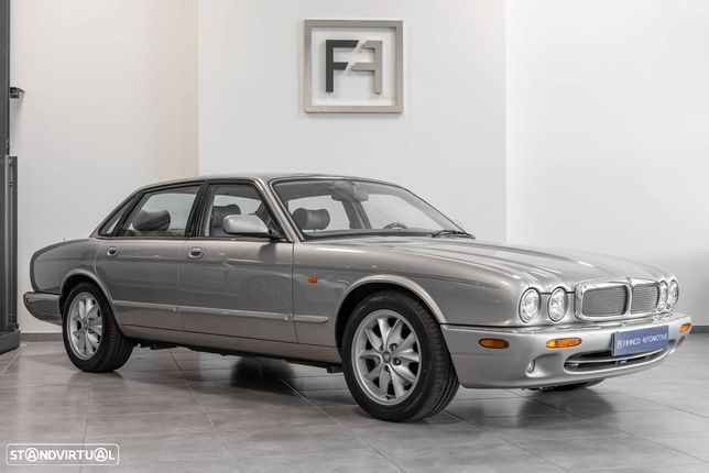 Jaguar XJ V8 EXECUTIVE
