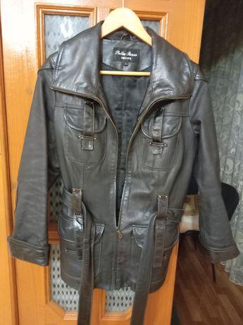 Жіноча шкіряна куртка