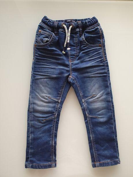 NEXT fajne spodnie jeansy chłopięce 92 cm!