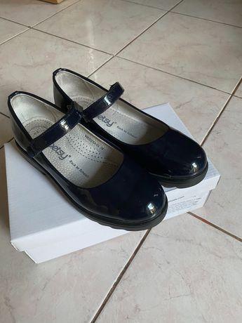 Темно-сині туфлі 35 р.