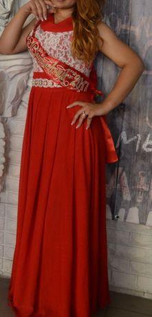 Продам платье, ярко красного цвета.