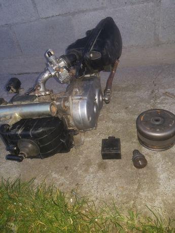 Двигатель от Suzuki lets 2