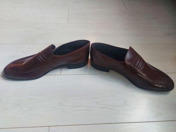 Туфли кожзам новые