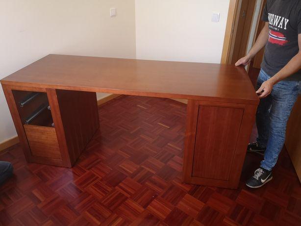 Secretária como nova em madeira maciça