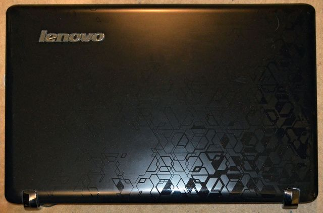 Ноутбук Lenovo IdeaPad Y560 по запчастям.