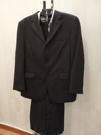 Мужской костюм класический