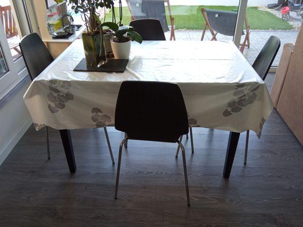 Mesa de cozinha + 4 cadeiras