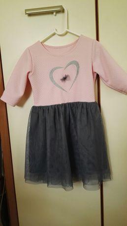 Sukienka różowa, rękaw 3/4, tiulowa, 4-6 lat, 116