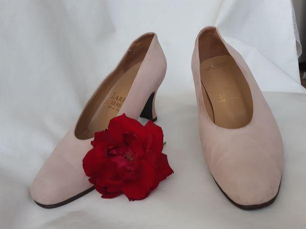 Sapatos rosa claro de pele Nobuck