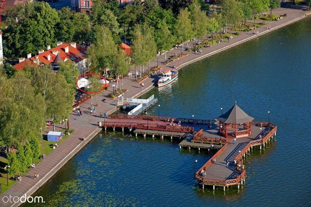 Restauracja z widokiem na jezioro tuż obok molo !