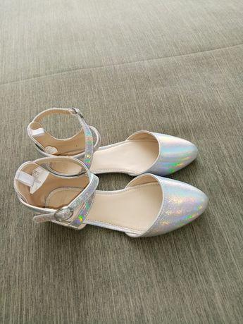 Босоніжки, туфлі / Босоножки, туфли