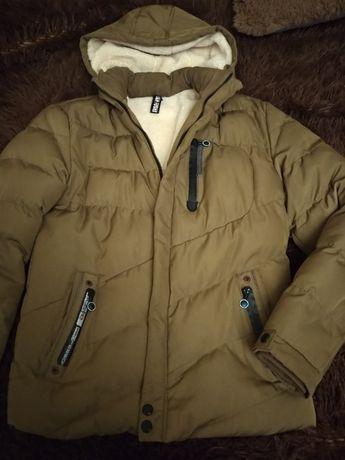 Зимняя куртка для подростка, ооочень теплая.