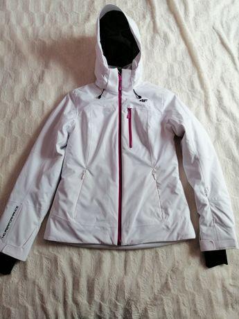 Sprzedam kurtkę  4f narciarską damską  rozmiar S membrana Performance