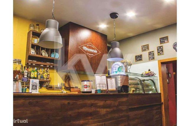 Trespasse / Restaurante Bar de Tapas. com classificação de Excelência